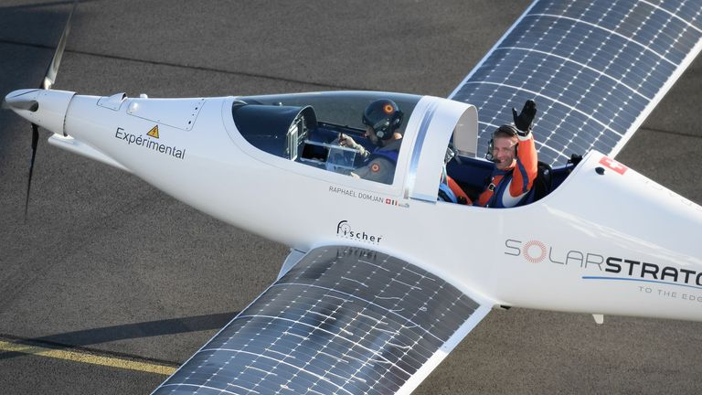The plane, powered by 22 square metres (237 square feet) of solar panels, takes off