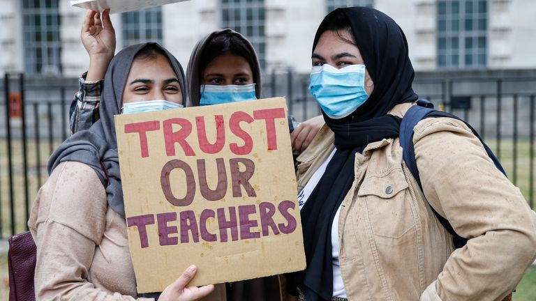 Students called for the government to 'trust our teachers' during weekend protests