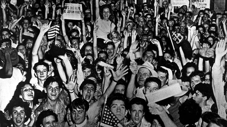 Americans in Cincinnati, Ohio, celebrated on VJ Day