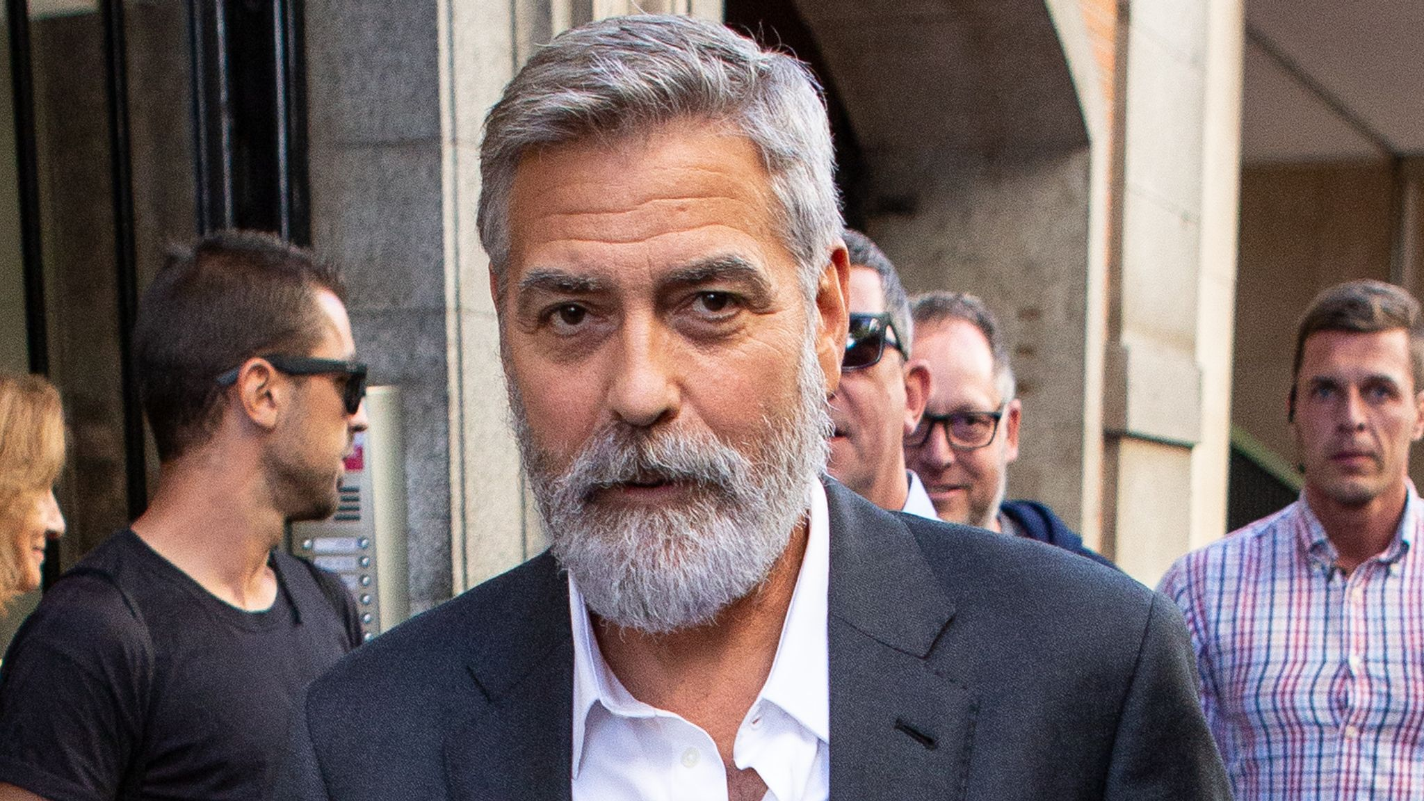 George Clooney Extreme Weight Loss For The Midnight Sky Led To Pancreatitis Ents Arts News Sky News