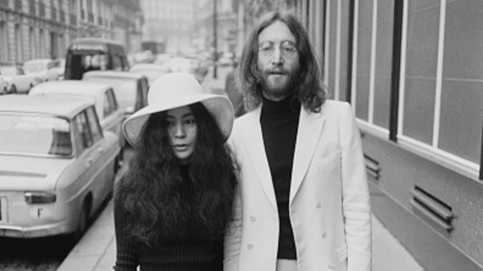 John Lennon S Killer Apologises To His Widow Yoko Ono For Despicable Crime He Committed For Self Glory Us News Sky News