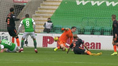Wright gives Hibs the lead