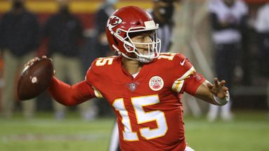 Mahomes shines in Chiefs win