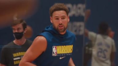 Klay practices with Warriors