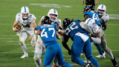 Fitzpatrick runs in TD in Dolphins win