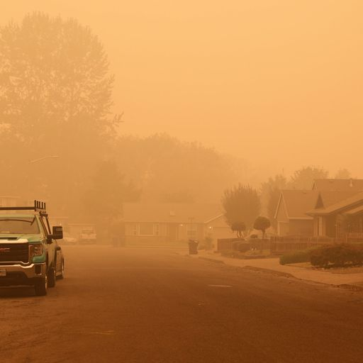 'Everybody is scared but we're hopeful': Oregon town tries to stay positive in the face of fires