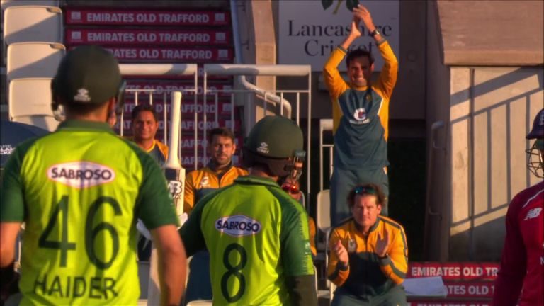 The best bits of Hafeez's second fifty of the series