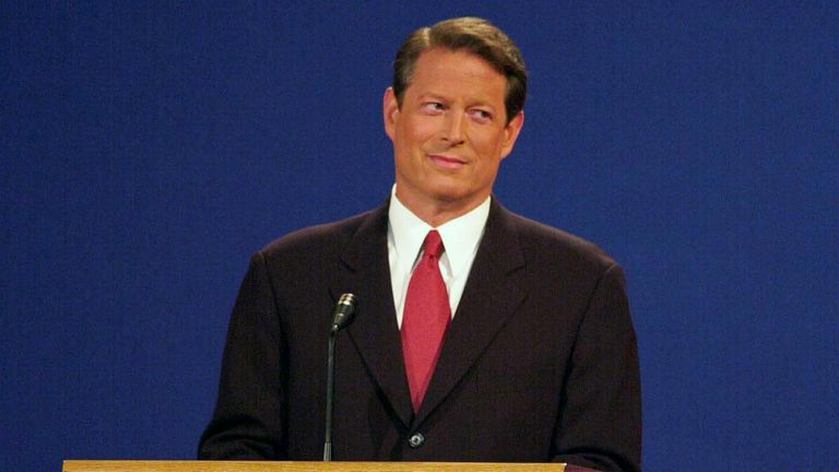 Al Gore sighed and rolled his eyes during his debate against George W Bush