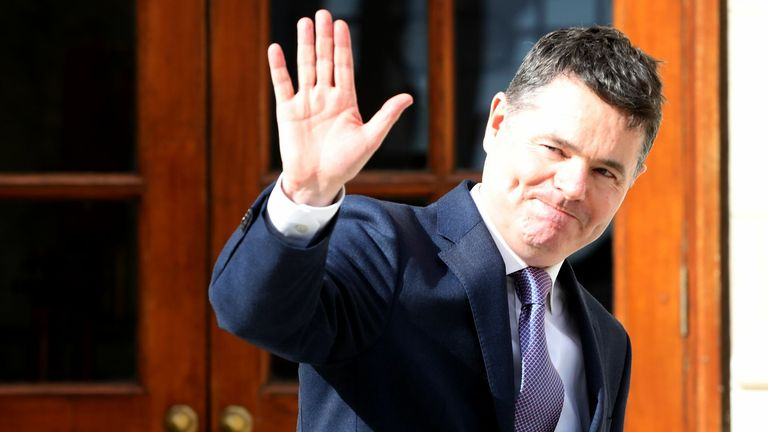 BRITAIN-EU-BREXIT-IRELAND-ECONOMY-BUDGET