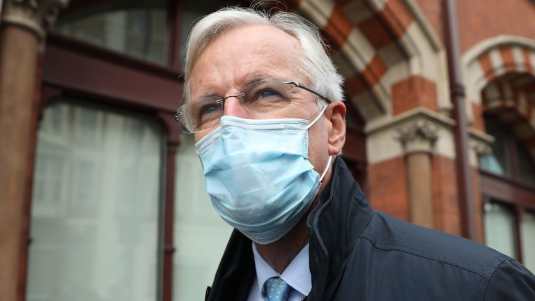 EU chief Brexit negotiator Michel Barnier wearing a facemask as a precaution against the transmission of the novel coronavirus walks out of London St Pancras station after arriving in London on September 9, 2020 for the latest round of trade talks with the UK. - Britain readied on on September 9 to intentionally breach its EU divorce treaty with new legislation that critics warned would undermine its global standing and any hopes for an orderly exit out of the world's biggest single market. Prim