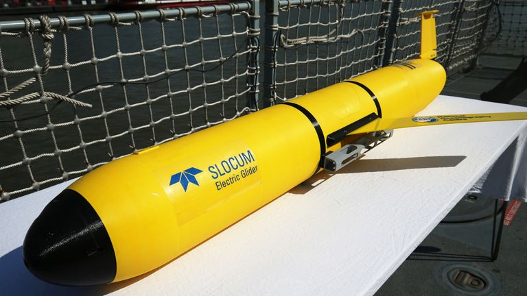 A Slocum glider with oceanographic survey capability