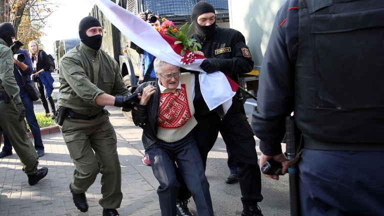 Masked officers arrest and detain opposition activist Nina Baginskaya, 73