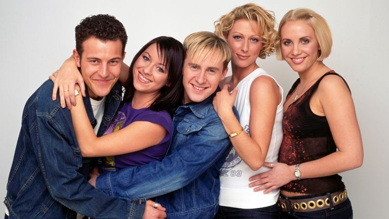 British pop group Steps, circa 1998; from left to right Lee Latchford-Evans, Lisa Scott-Lee, Ian H Watkins, Faye Tozer, Claire Richards