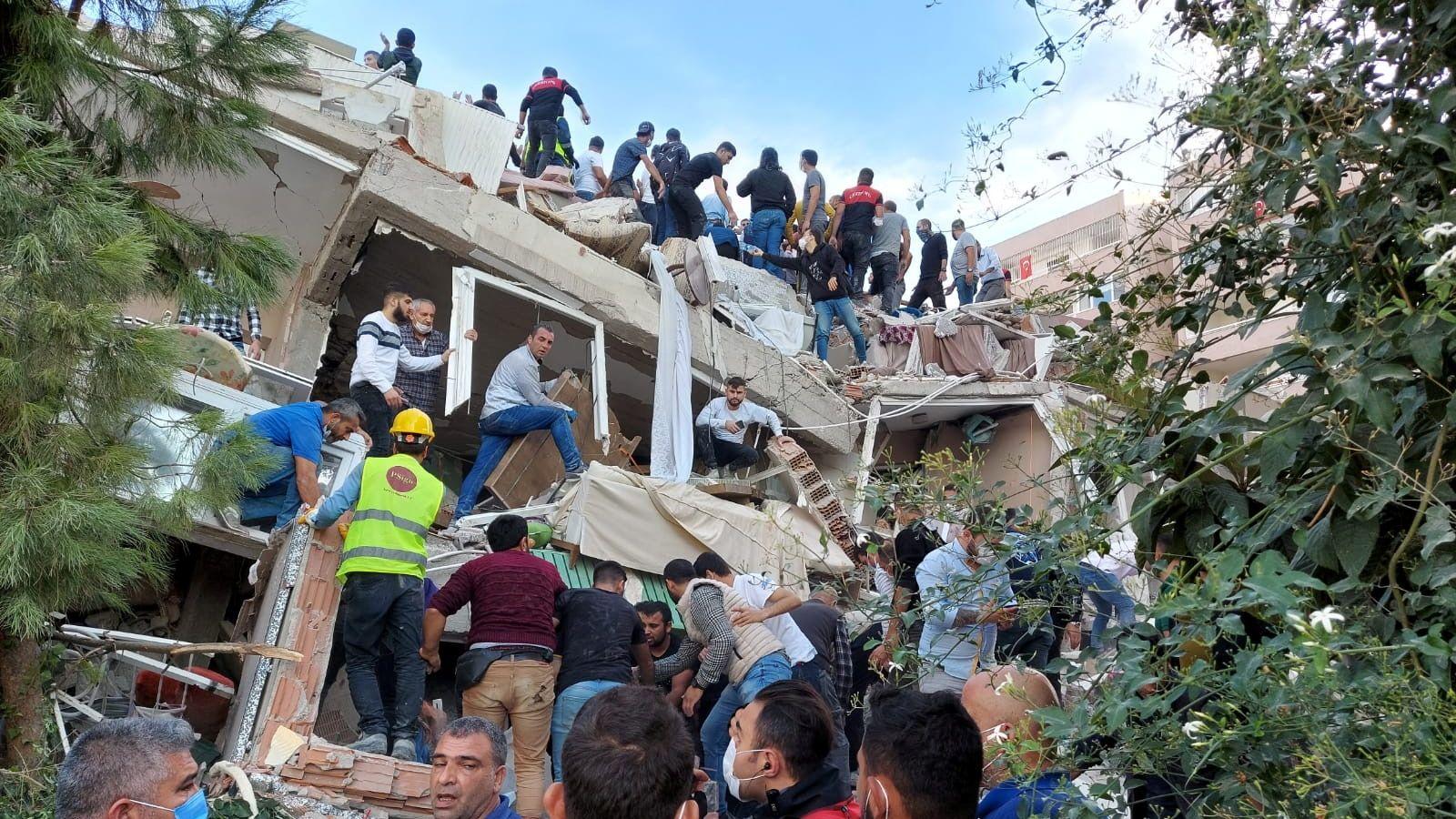 [Image: skynews-earthquake-turkey-izmir_5155364....1030150804]