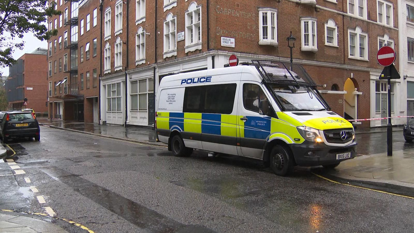 Police officer stabbed as she attempted to arrest two men robbing a shop