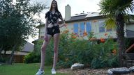 Seventeen-year-old Maci Currin is 6ft 10in tall