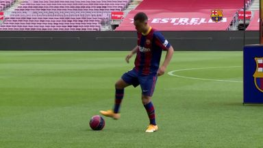 Barca's Dest has keepy-uppy nightmare!