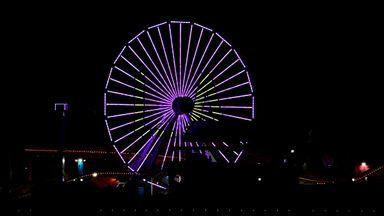 LA landmarks turn purple and gold