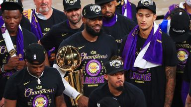 Lakers lift Larry O'Brien trophy