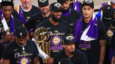 Lakers lift Larry O'Brien trophy