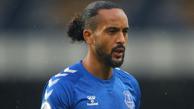 Saints in Walcott loan deal talks