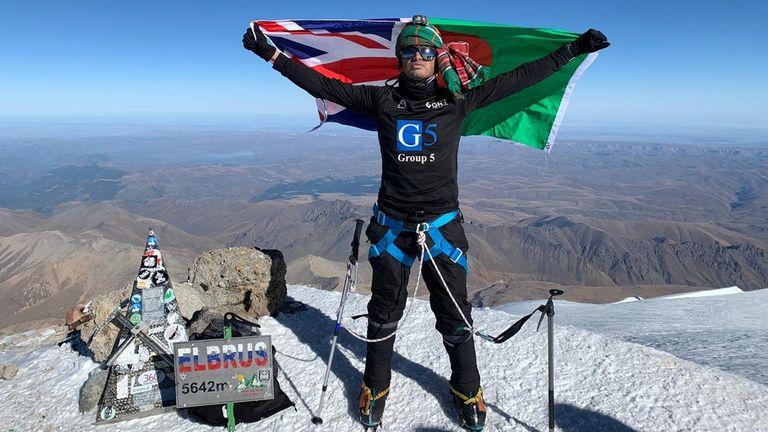 Akke Rahman climbs Mount Elbrus following COVID-19 recovery