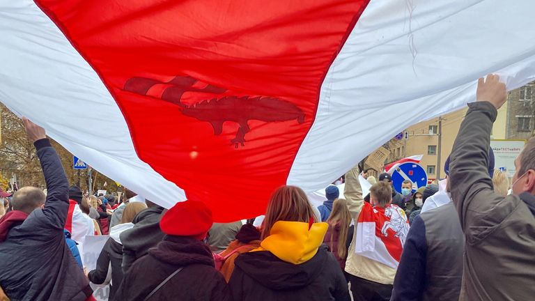 Thousands protest to demand change in Belarus (pic: Anastasia Leonova)