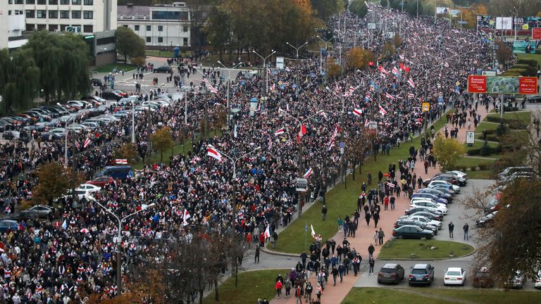 People attend an opposition rally to reject the Belarusian presidential election results in Minsk, Belarus October 25, 2020. BelaPAN via REUTERS ATTENTION EDITORS - THIS IMAGE WAS PROVIDED BY A THIRD PARTY. MANDATORY CREDIT.