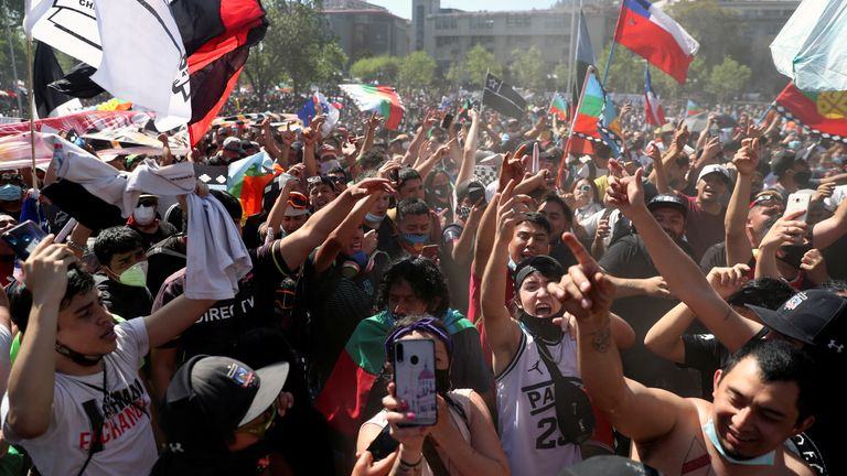 Protesters flood the streets of Santiago de Chile