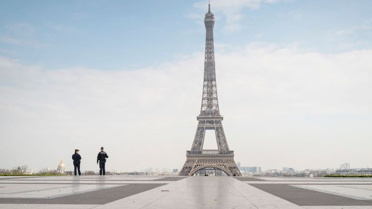 France's second lockdown means it's main sites are empty - once again