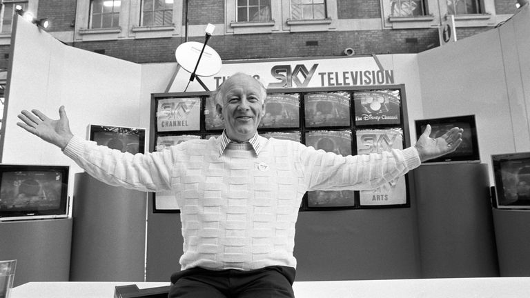 File photo dated 06/12/1989 of television presenter Frank Bough