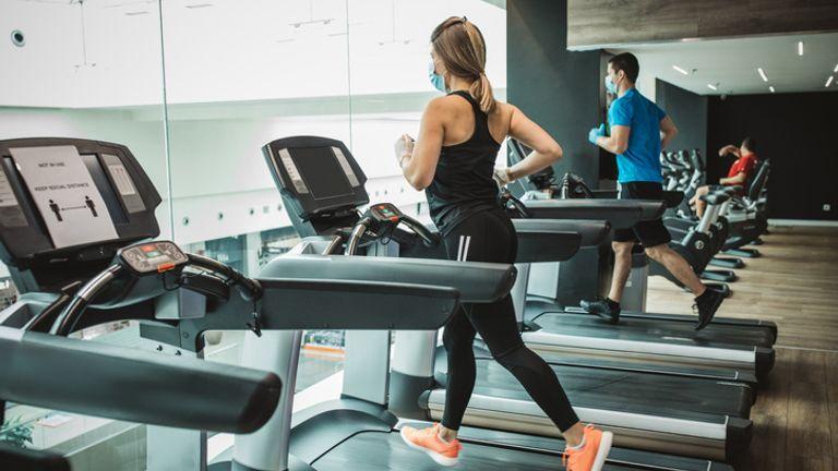 Gym sekarang dapat dibuka kembali di seluruh area Tier 3 di Inggris