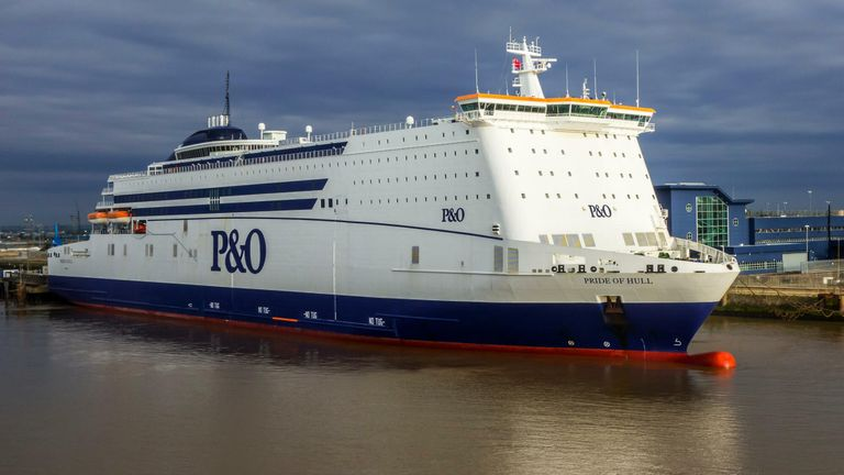 MS Pride of Hull, P&O North Sea Ferries passenger and cargo roll-on/roll-off ship in the port of Kingston upon Hull, England, UK - Image ID: H3DE71 (RM)
