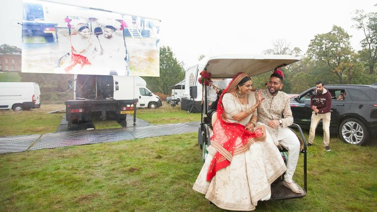 Roma Popat and Vinal Patel's wedding at Braxted Park in Chelmsford. Pic: Tim Stewart News /  I-MAANI PHOTOGRAPHY