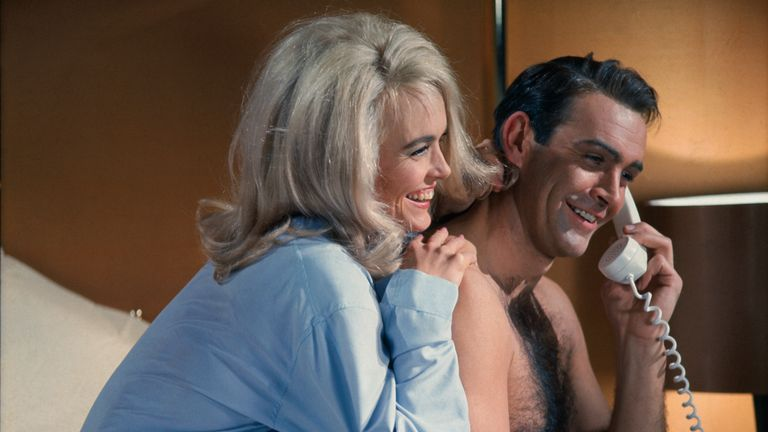 Sean Connery and Jill Masterson