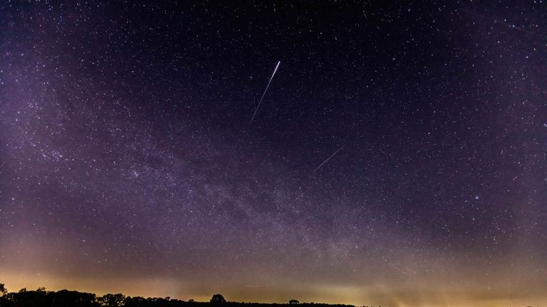 SCHERMBECK, GERMANY - APRIL 22: (BILD ZEITUNG OUT) A meteor of the lyrids in the sky is seen on April 22, 2020 in Schermbeck, Germany. (Photo by Mario Hommes/DeFodi Images via Getty Images)
