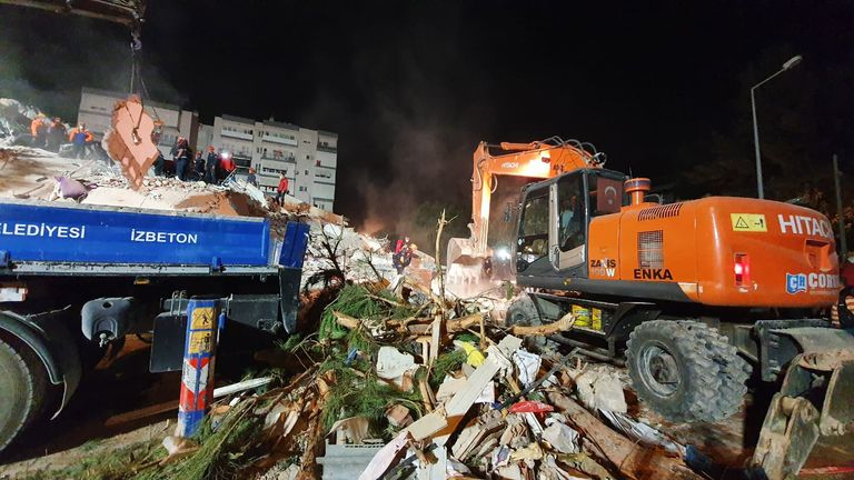 Twenty buildings collapsed in Bayrakli