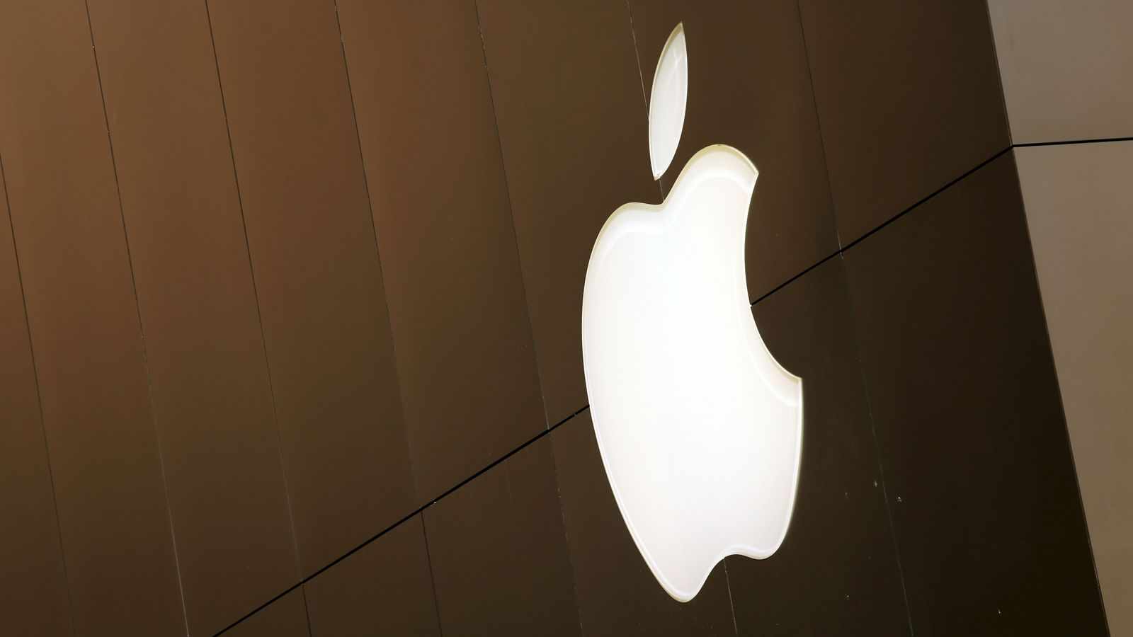Apple delays launch of controversial child safety features