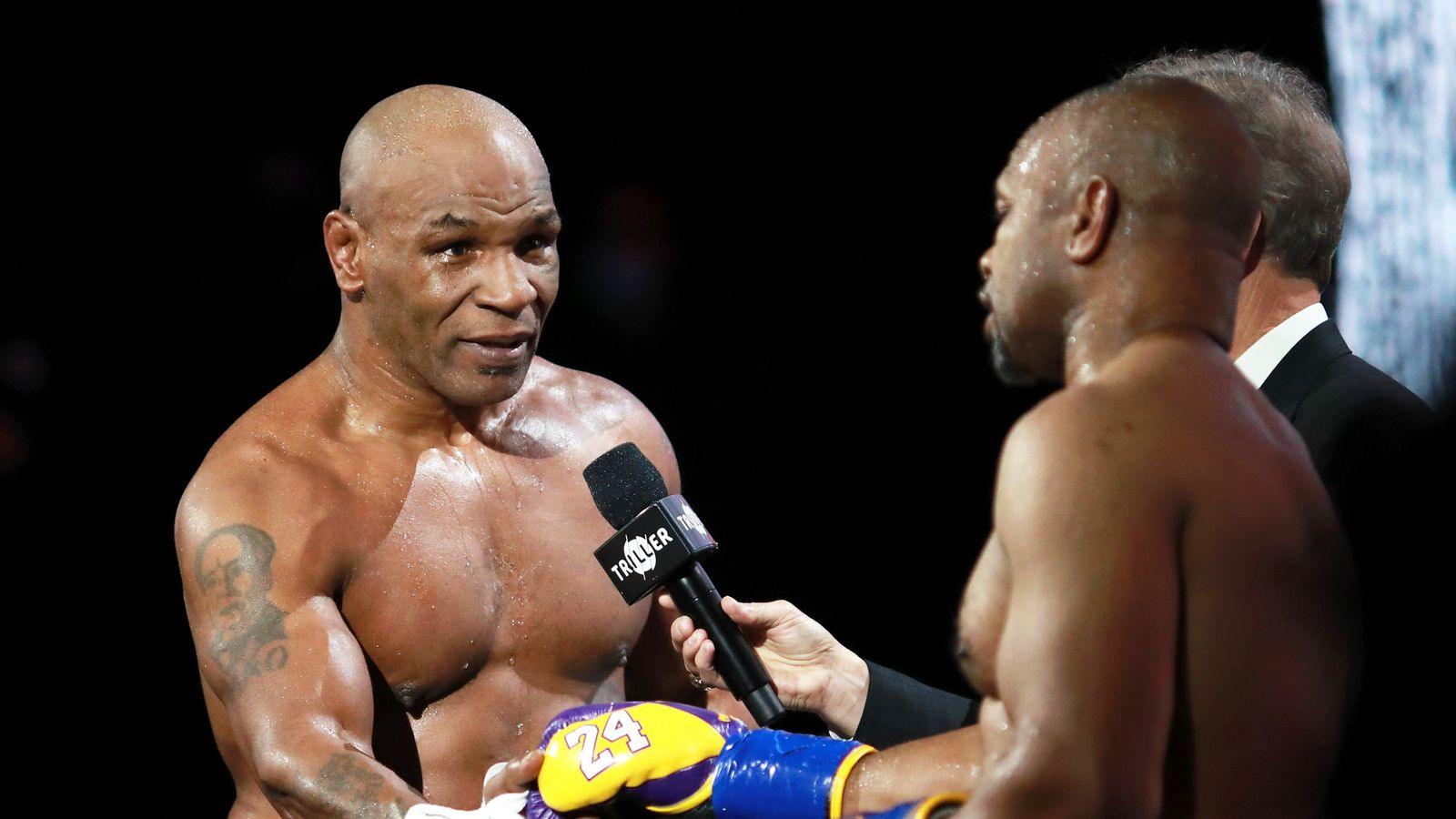 Mike Tyson's comeback fight against Roy Jones Jr ends in a draw