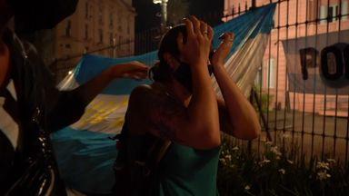 Maradona: Candlelight vigil in Argentina