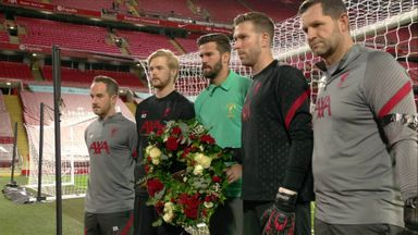 Liverpool lay wreath to honour Clemence