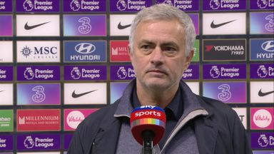 Mourinho: Dressing room isn't happy
