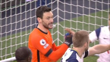 Lloris reacts well to save (90)