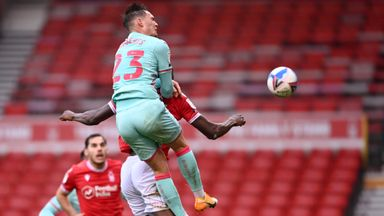 Roberts bravely heads Swansea in front