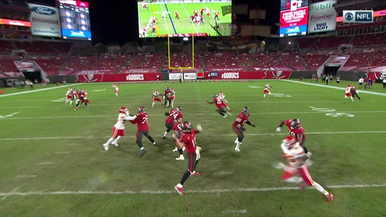 Kansas City Chiefs 27-24 Tampa Bay Buccaneers: Tyreek Hill scores three TDs and tops 200 yards in win | NFL News