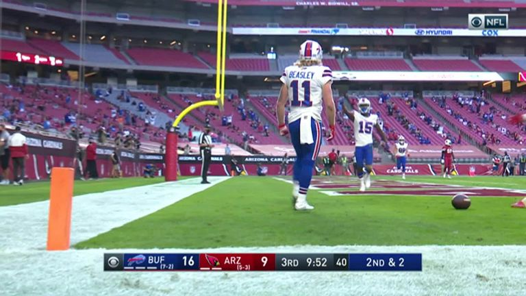 DeAndre Hopkins and Kyler Murray connect on Hail Mary game-winning TD: Buffalo Bills 30-32 Arizona Cardinals