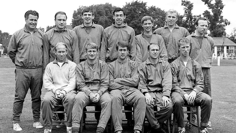 1966 squad Left to right: Harold Shepherdson (trainer); George Cohen; Martin Peters; Gordon Banks; Alan Ball; Bobby Moore (captain); Norbert (Nobby) Stiles. Front row: Bobby Charlton; Roger Hunt; Geoff Hurst; Ray Wilson; Jackie Charlton