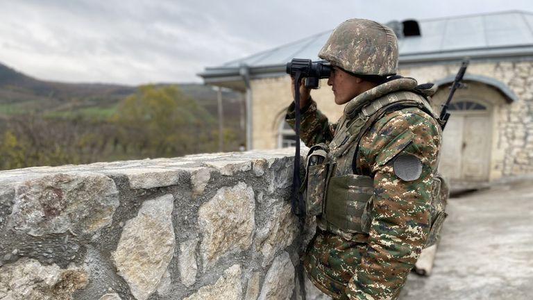 تتمركز وحدة عسكرية أرمنية في مجمع دير القرن الرابع في أماراس