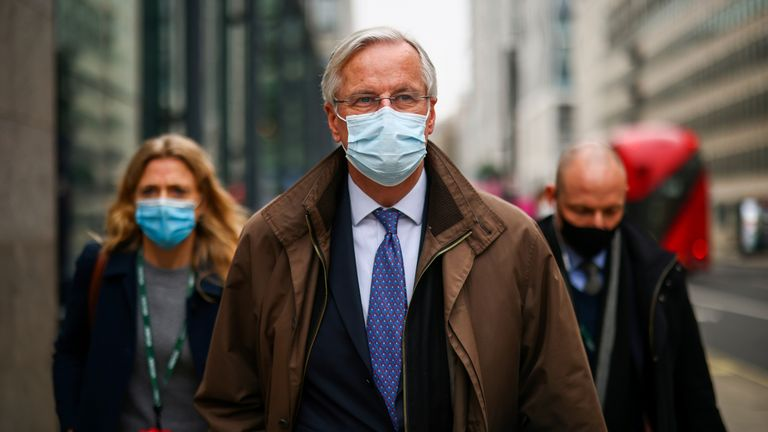 European Union's chief Brexit negotiator Michel Barnier wearing a protective face mask leaves after Brexit negotiations, in London, Britain November 28, 2020. REUTERS/Henry Nicholls