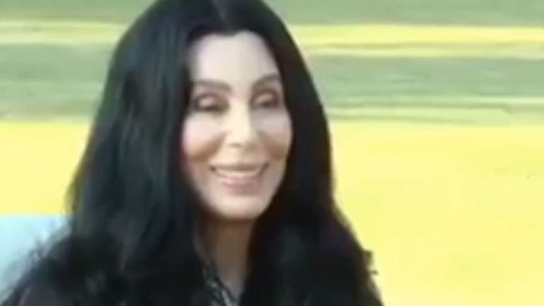 Cher meets Imran Khan in Pakistan